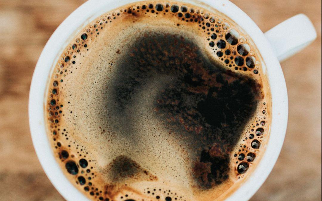 Butter in den Kaffee? | Bulletproof Coffee für mehr Energie!
