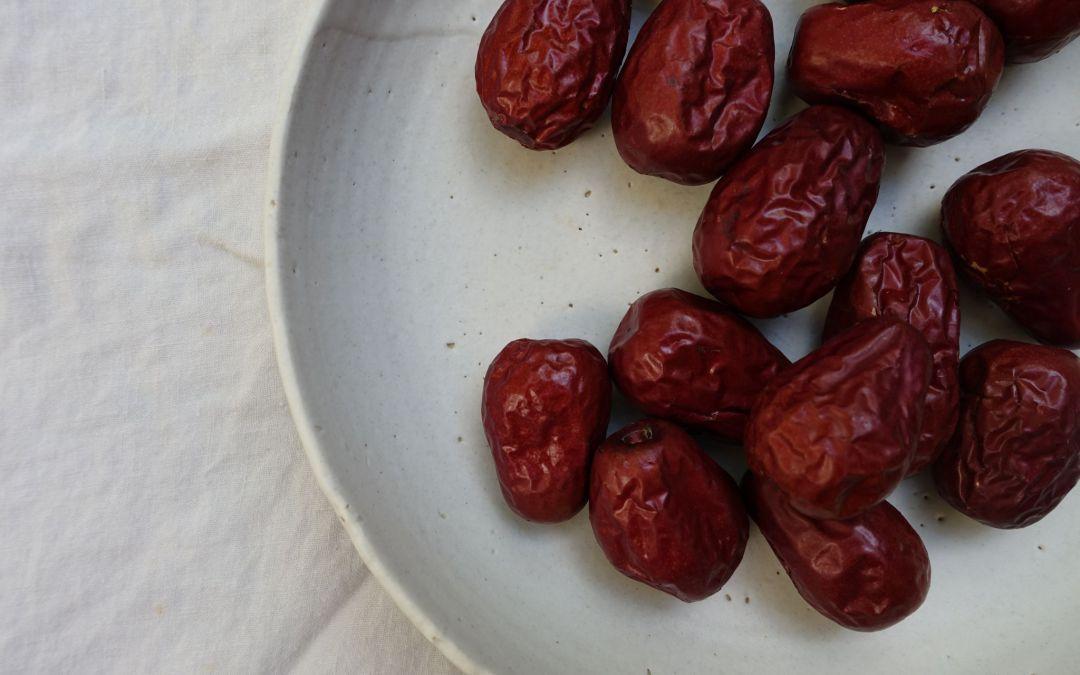 10 GRÜNDE warum du DATTELN essen solltest